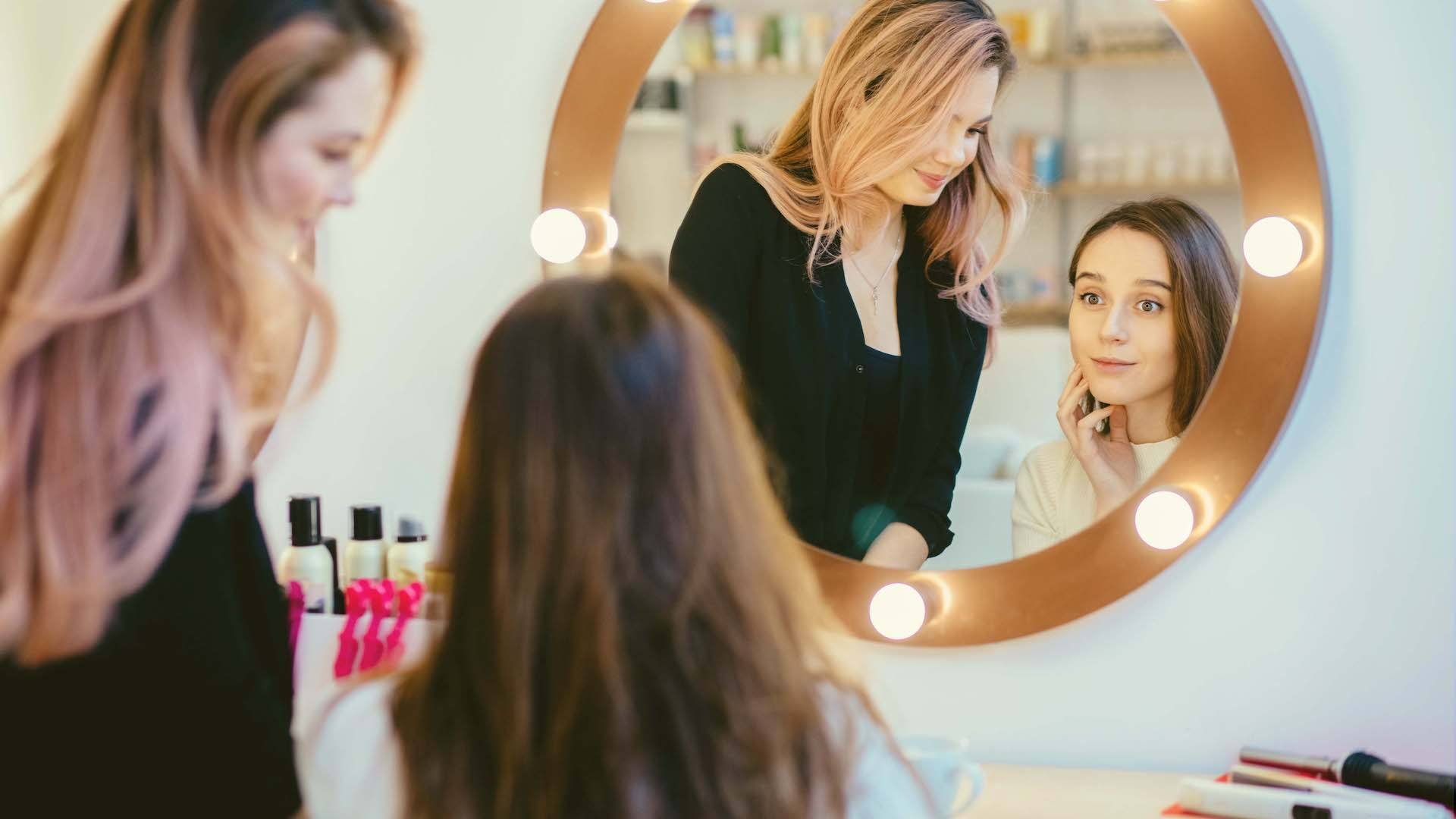 7 Expert Sales Tips for Selling Products in Your Salon